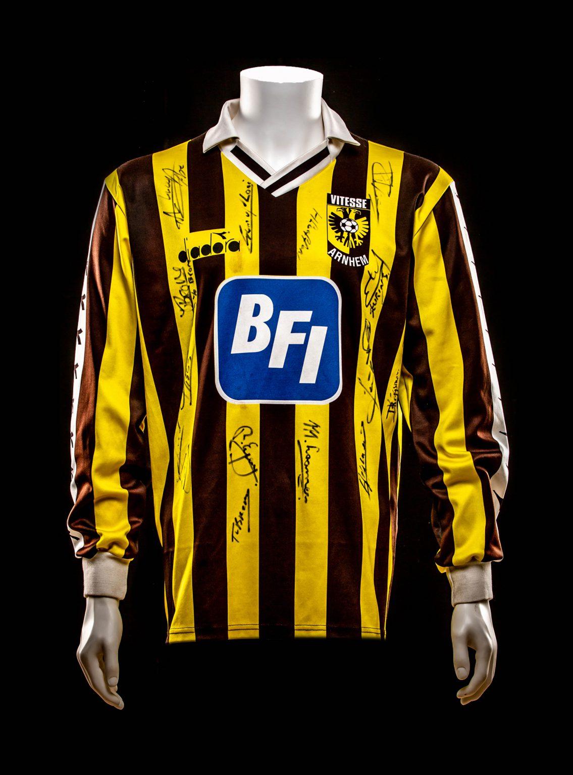 #4 Theo Bos Vitesse 1991-1993 (Eigendom Kasper van Dijk)