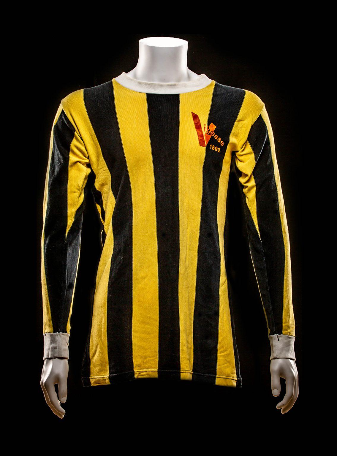 #9 Bennie Hofs Vitesse 1975-1976
