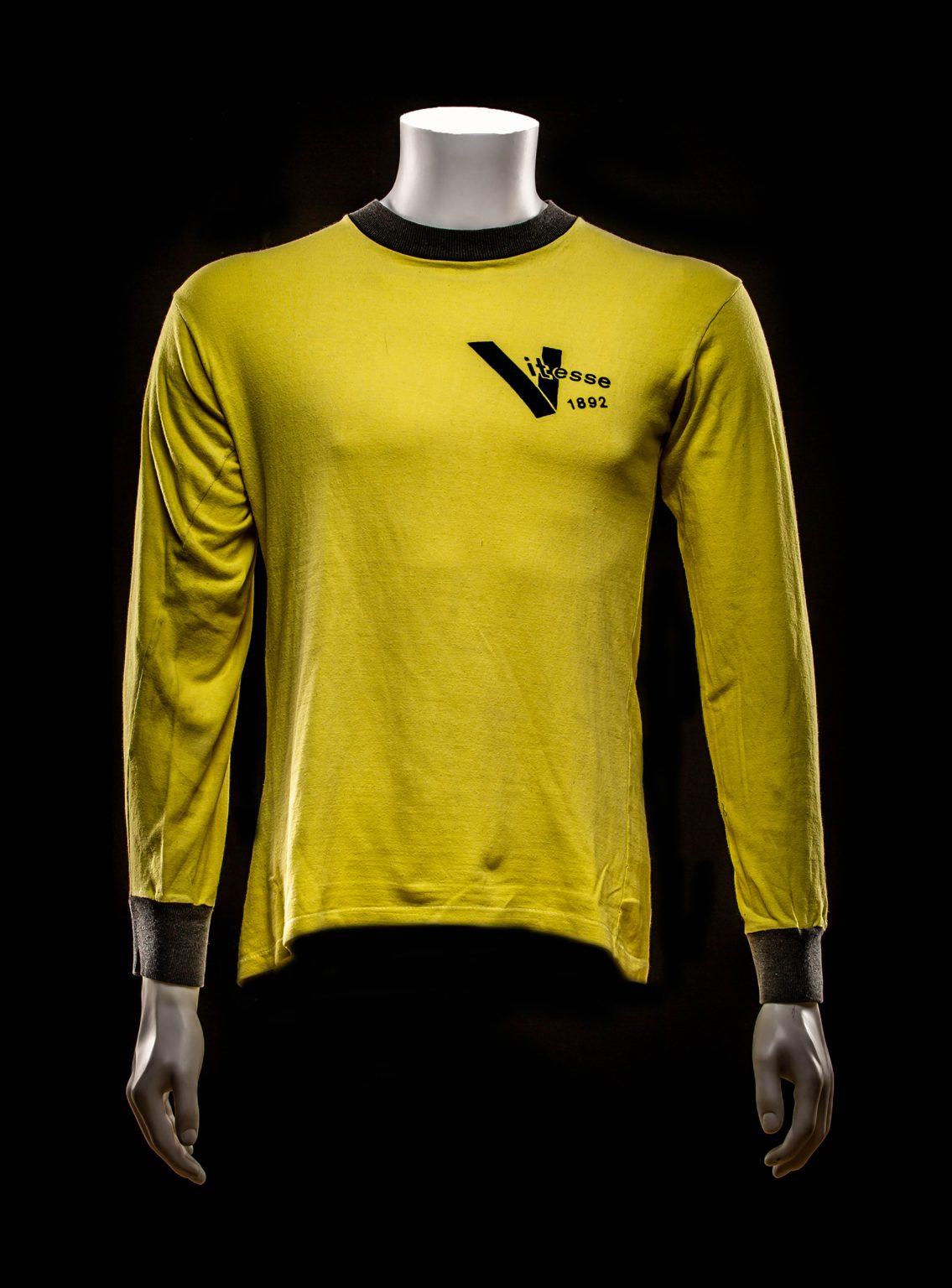 #2 Peter Boeve Vitesse Shirt  1975-1976 (Eigendom Kasper van Dijk)