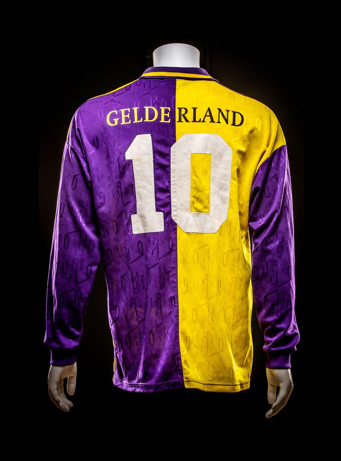 #10 Hans Gillhaus