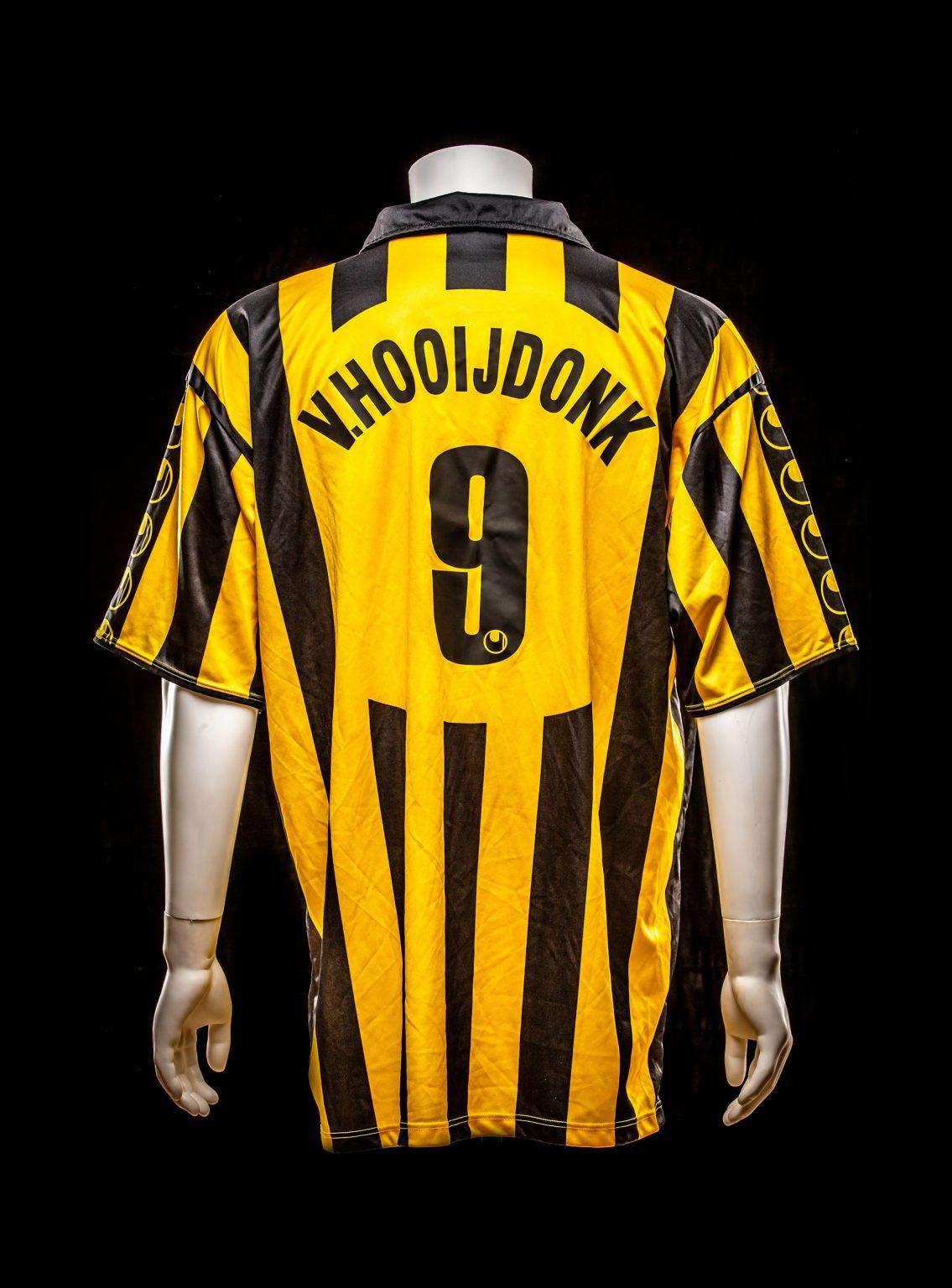 #9 Pierre van Hooijdonk