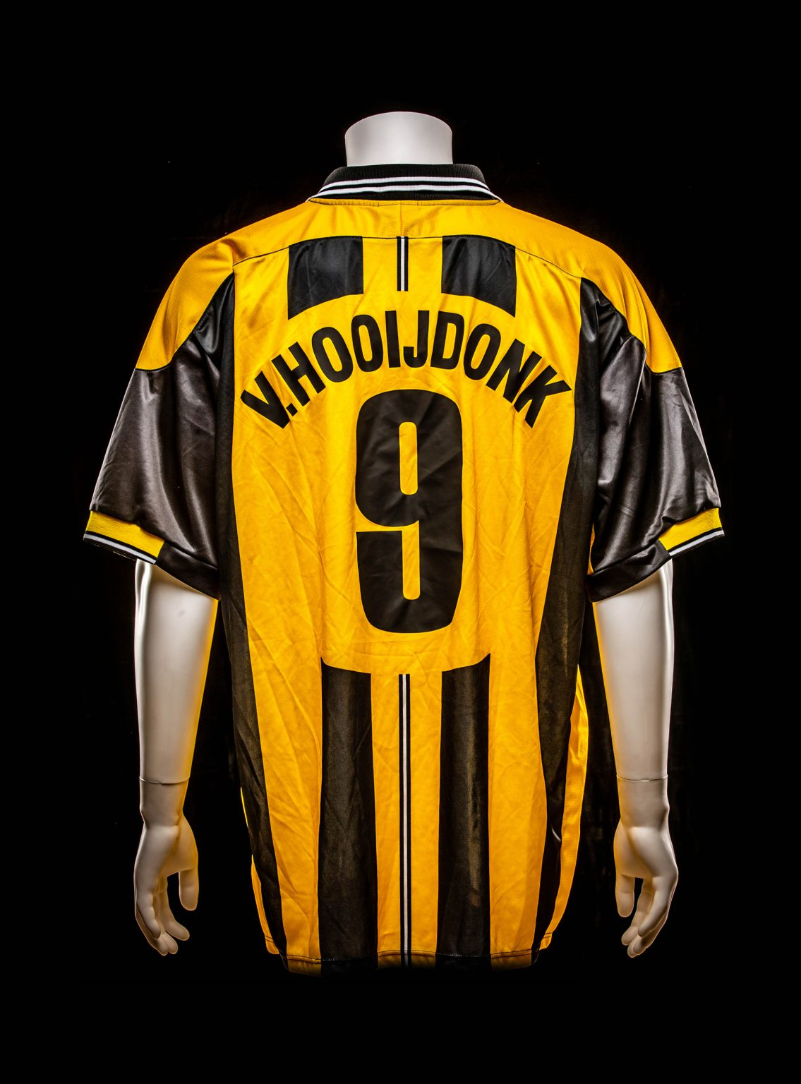 #9 Pierre van Hooijdonk Europacup