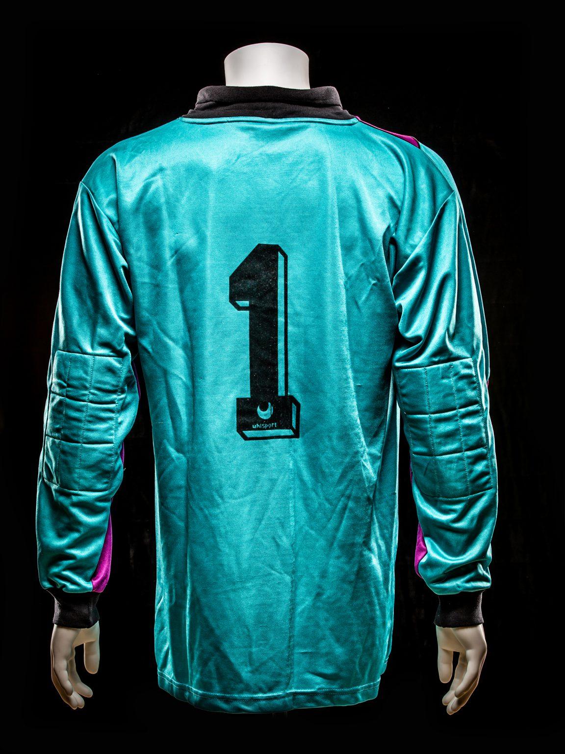 #1 Raimond van der Gouw